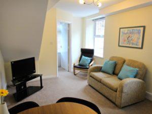 9 lounge small