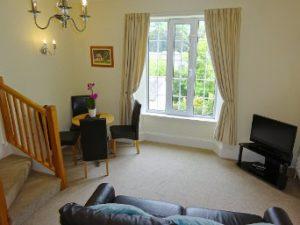6 lounge window 2017 small